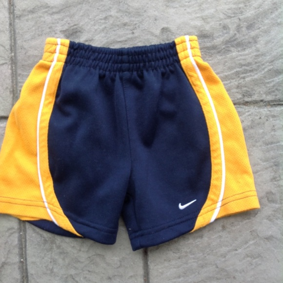 NWT BOY/'S KIDS UNDER ARMOUR NEON YELLOW DRY DRI FIT ATHLETIC SHORTS SZ 2T 4 6